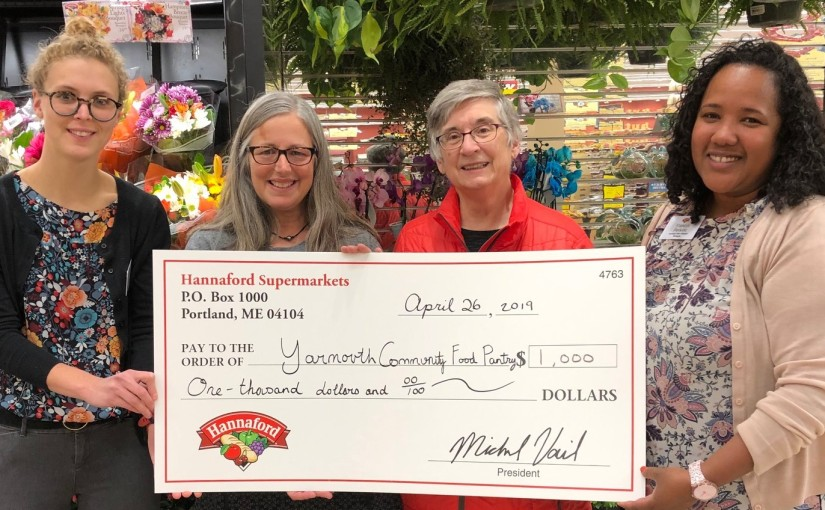 Food Pantry Receives $1,000 from Hannaford